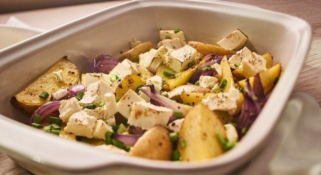 Запечена картопля з сиром фета