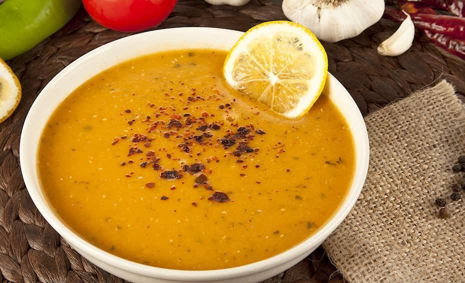 Турецький суп із сочевиці