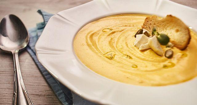 Гарбузовий крем-суп з сиром фета