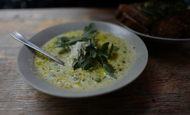 Суп з броколі та грибами