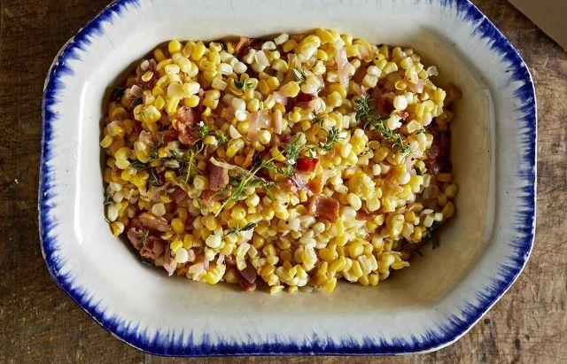 Салат з кукурудзою, беконом та медом