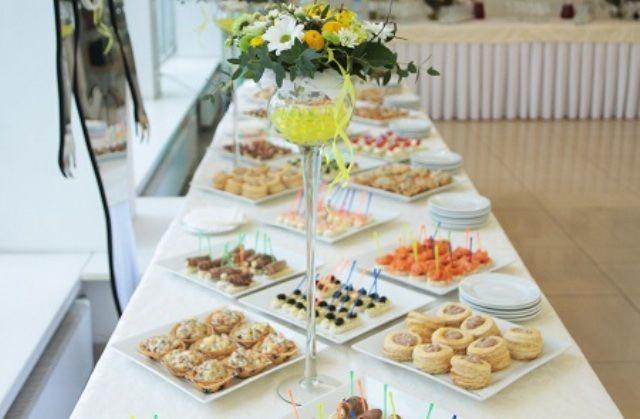 Фуршетний стіл – усі тонкощі планування, розташування та оформлення