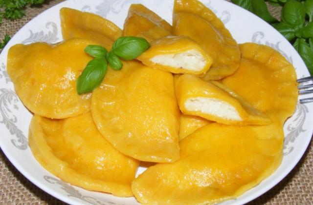 Гарбузові вареники з сиром і картоплею