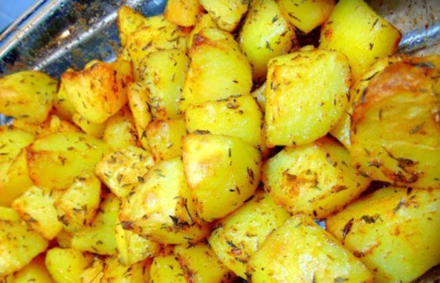Хрумка картопля в духовці