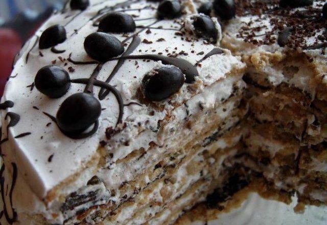 Італійський горіховий торт