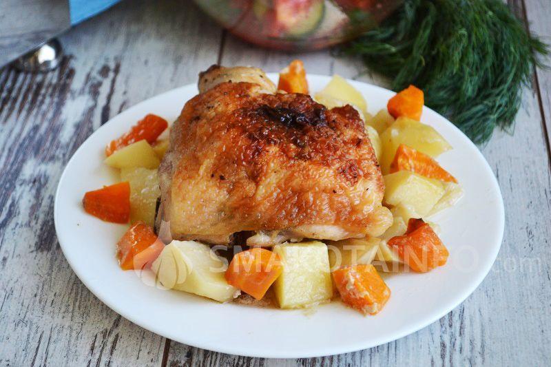 Картопля з куркою у духовці