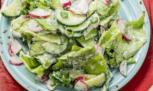 Легкий салат з редискою