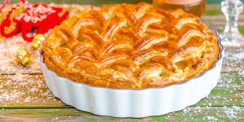 Листковий пиріг з сиром і грушами