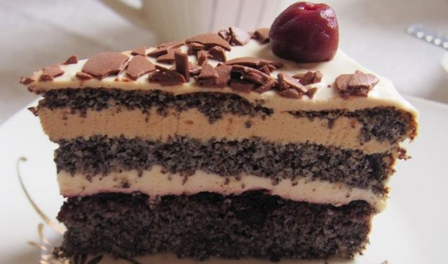 Маковий тортик з кавовою ноткою