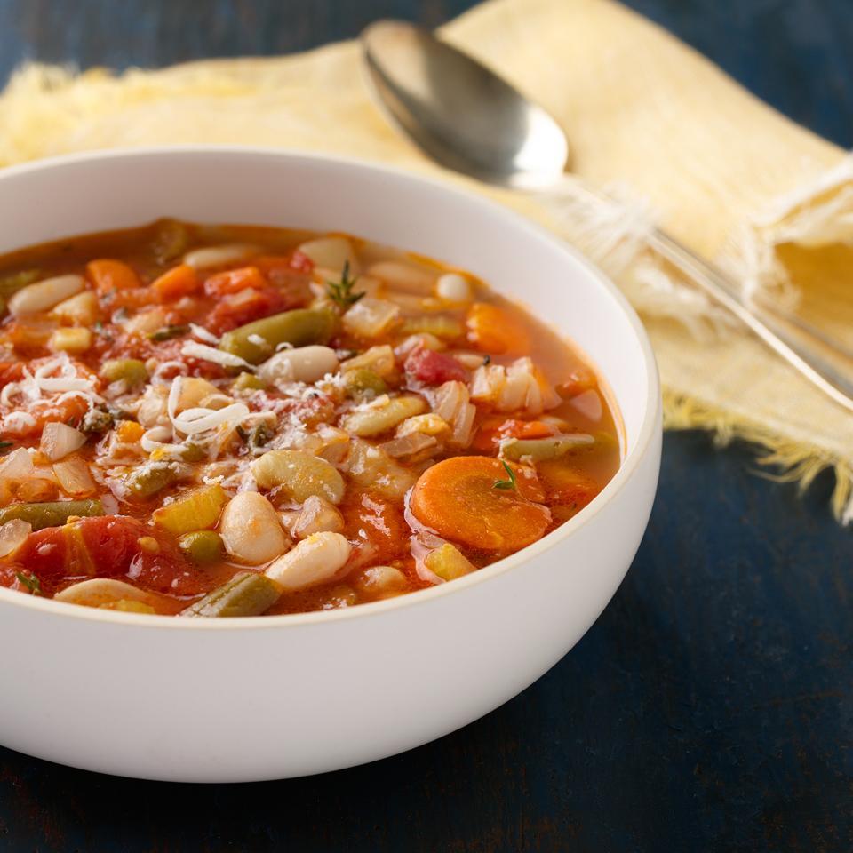 Класичний італійський суп Мінестроне