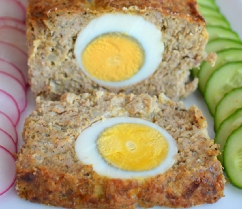М'ясний хлібець зі свинячого фаршу з яйцем