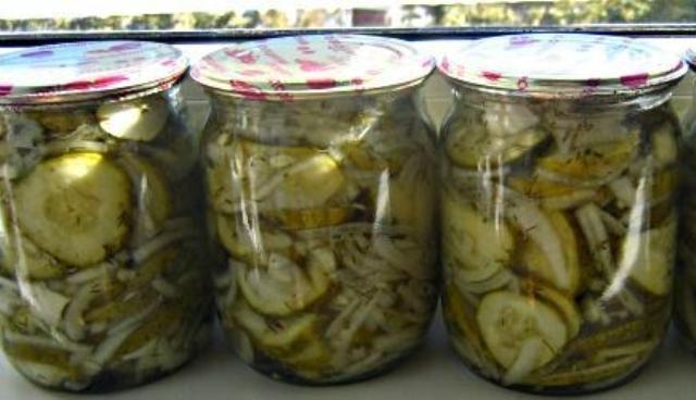 Салат ніжинський – консервація на зиму