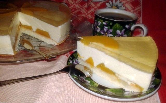 Ніжний желейний торт