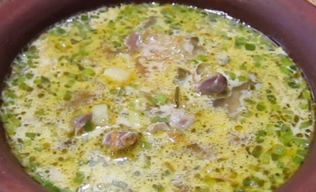 Суп на курячих шлуночках з огірками