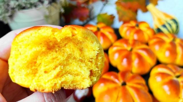 Осінні булочки з гарбуза – оригінальна гарбузова випічка