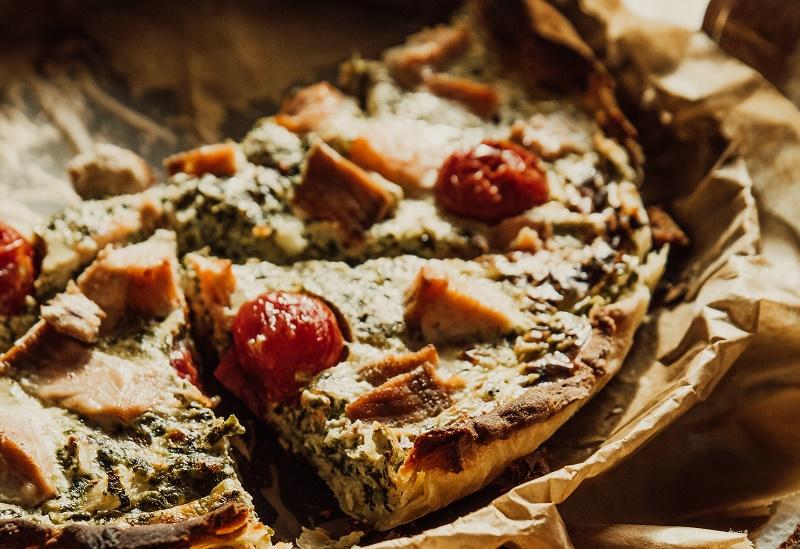 Пиріг з помідорами чері і фетою