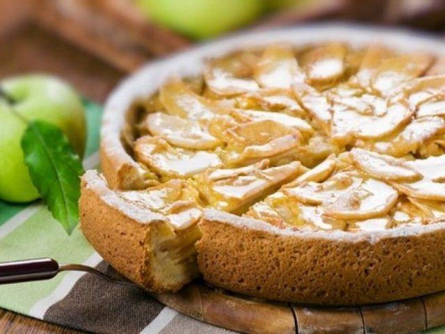 Пиріг з яблуками та грушами