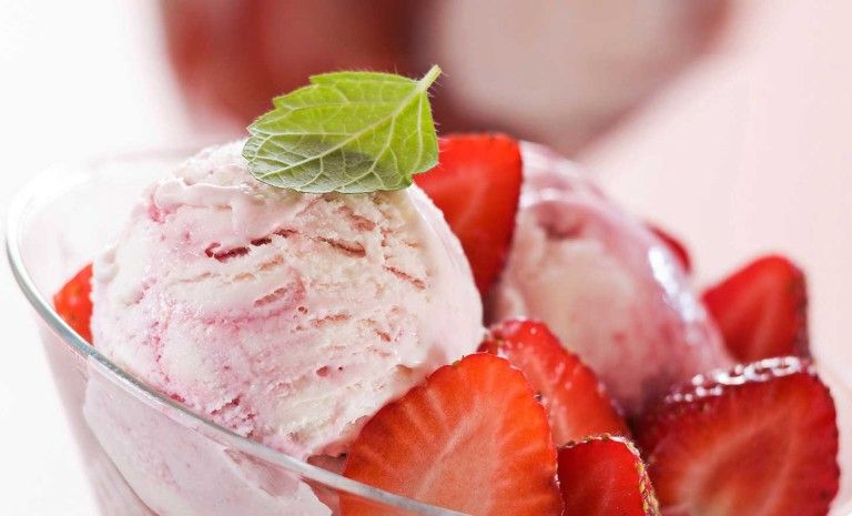 Смачне полуничне морозиво