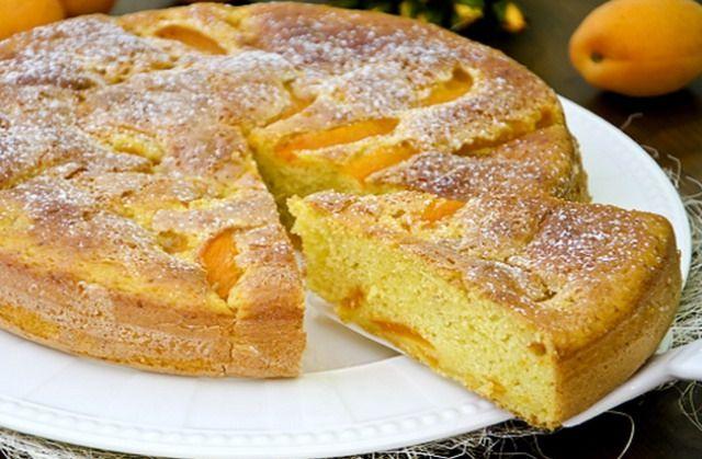 Пиріг з абрикосами на кефірі