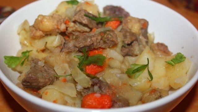 рагу с капустой картошкой и мясом
