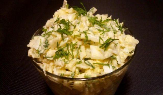 Салат з редьки з яйцем