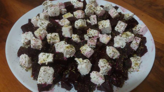 salat-z-buryaka-kubik_2.jpg (51.43 Kb)