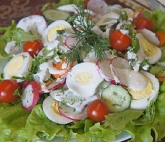 Салат з молодих овочів