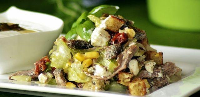 Салат із печеним м'ясом