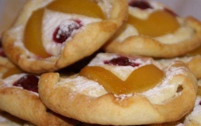 Сирне печиво з ягодами