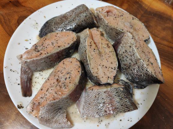 steiki-chervonoi-ribi-forel-v-duhovci.jpg (56.96 Kb)