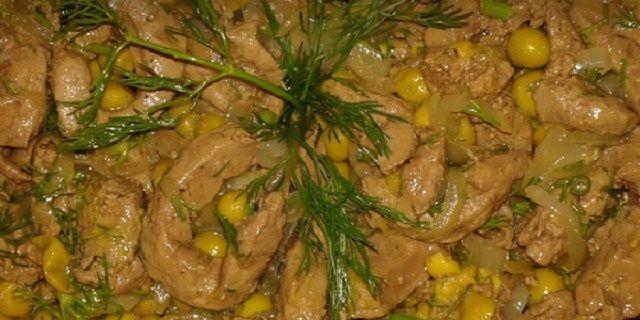 Теплий салат з печінки