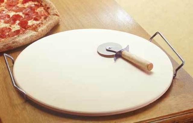 Найпростіше дріжджове тісто для тонкої піци