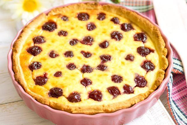 Пиріг з вишнею