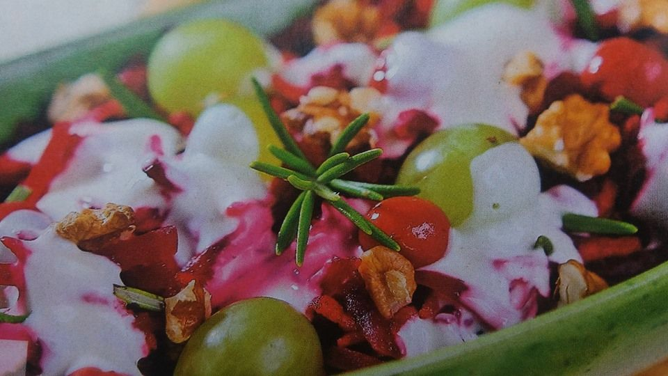 Яблучно-бурячковий салат